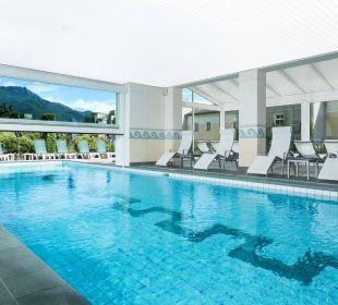 Geheiztes Schwimmbad mit Aussenbecken Hotel Belvedere Locarno