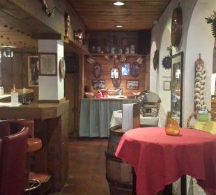 Eingang zur Bar + Frühstücksbereich Romantik Hotel Sonne