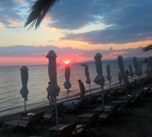 Sonenuntergang Anthemus Sea Beach Hotel & Spa