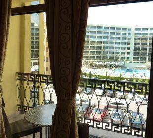 Ausblick auf das Hotel gegenüber Victoria Palace Hotel & Spa