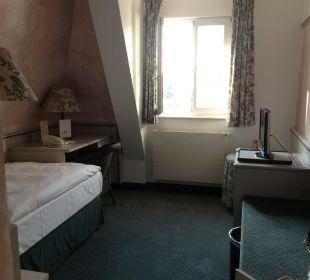 Einzelzimmer mit Blick zum Garten Hotel Landhaus Alpinia