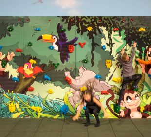 Kletterwand im Funpark Thermenhotel Kurz