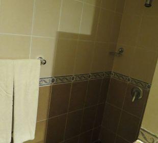 Dusche im Doppelzimmer