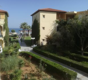 Weg zum Strand Vantaris Beach Hotel