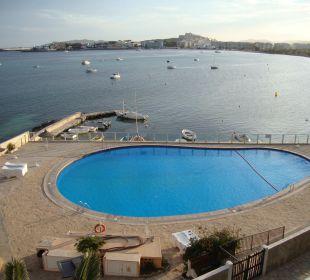 Pool ohne Grünfläche Hotel Simbad