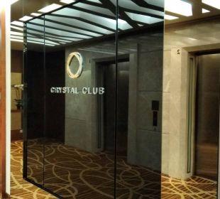 Eingang zum Crystal Club Park Hotel Clarke Quay