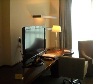Zimmer TV (2 dt. Programme) Hotel Grand Millennium Al Wahda Abu Dhabi