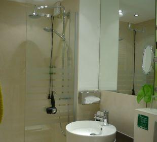 Badezimmer von Zimmer 2 Hotel Uhu Köln