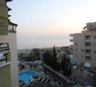 Výhled z pokoje na moře Hotel Krizantem