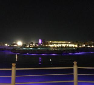 Abends Blick zum Lieblingsrestaurant Colosseo Dana Beach Resort