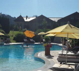 Pool im Garten Hotel Krallerhof
