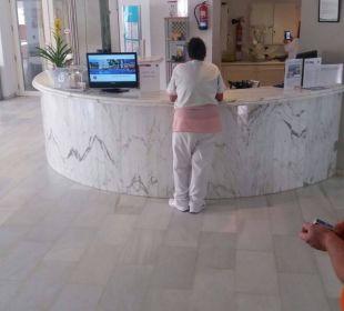 Lobby JS Hotel Yate