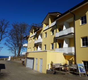 Frontseite mit Meeresblick Inselhotel Rügen B&B