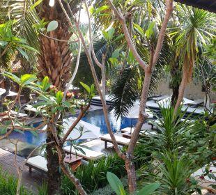 Hintere Poolanlage  Hotel Griya Santrian