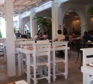 Gemütliches frühstücken The Old Phuket - Karon Beach Resort