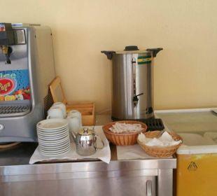 Wärmebehälter für Filterkaffee an der Strandbar Vantaris Beach Hotel