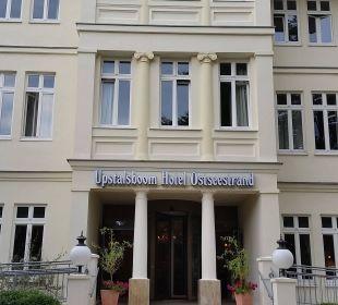 Eingang Upstalsboom Hotel Ostseestrand