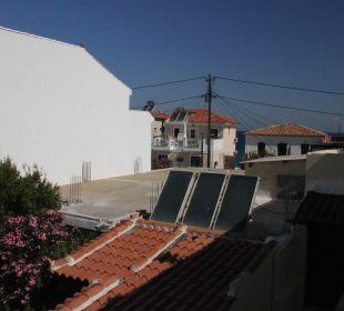 Ausblick nach rechts vom Zimmer 6 Hotel Kalidon