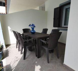 Eigene Terrasse mit BQQ Wg LUNGOMARE Holiday Residence Rifugio