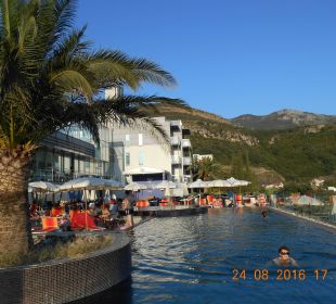 Pool Hotel Queen of Montenegro