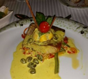 Lachs im italienischen Restaurant Adalya Art Side/Artside