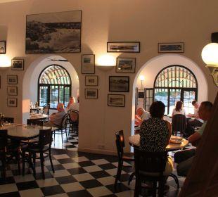 Überdachte Frühstücksterrasse Hotel Poseidon Bahia