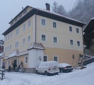 Das Hotel am 28.12.14 im Winterkleid Hotel Kirchenwirt