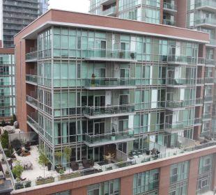 Ausblick auf Nachbargebäude Hotel Holiday Inn Express Toronto Downtown