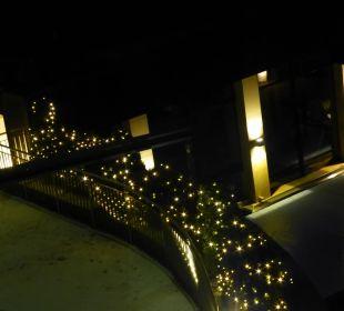 Abendliche Weihnachtsbeleuchtung Sonnhof Alpendorf