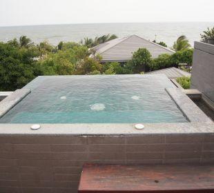 Eigener kleiner Pool auf der Terrasse Hotel Rest Detail Hua Hin