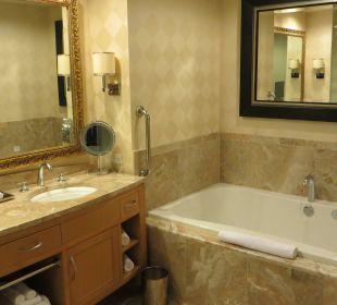 Badezimmer mit Whirlpool Hotel Trump International