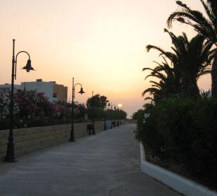 Weg zum Strand FAMILY LIFE Marmari Beach by Atlantica