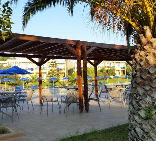 Blick auf einen Poolbereich Hotel Horizon Beach Resort