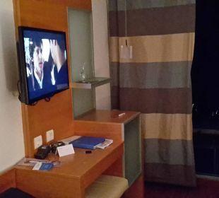 Vom Bett auf TV und Bar Bluesun Hotel Soline