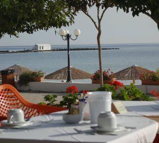 Frühstück in der Morgensonne Hotel Corissia Princess