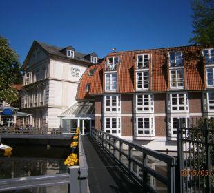Blick aufs Haupthaus der großzügigen Hotelanlage Romantik Hotel Bergström