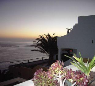 Abendstimmung auf der Terrasse Hotel Rocamar Beach