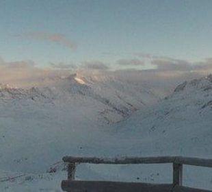 Panoramablick vor dem Hotel Glacier Hotel Grawand