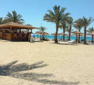 Zugang Strand/Sundowner nur über Sand ROBINSON Club Soma Bay