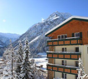 Winter_Aussen Der Kleinwalsertaler Rosenhof