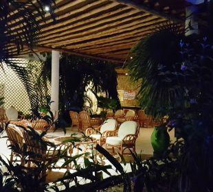 Ruhebereich bei der Kisima Bar Hotel Traveller's Club