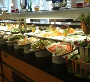 Ein Teil des Abendbuffets Hotel Narcia Resort Side