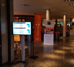 Eingangsbereich Dorint Hotel An der Kongresshalle Augsburg