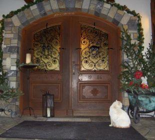 Wunderschöne Eingangstür Pension Ötzmooshof