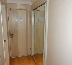 Vorraum/Garderobenschrank Hotel Grand Anka