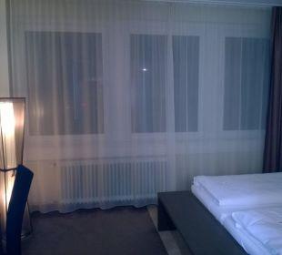Blick zum Fenster EnergieHotel Berlin City West
