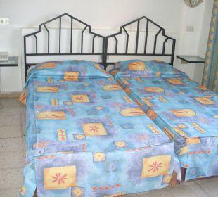 Bett alt und muffelig, stinkt Hotel Sousse Residence