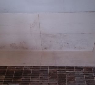 Schimmelige Dusche - Gusundheitsgefährdend! Hotel Europa Splendid