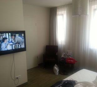 Flat-TV und Sitzecke Best Western Hotel am Spittelmarkt