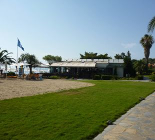 Weg zum Strand Anthemus Sea Beach Hotel & Spa